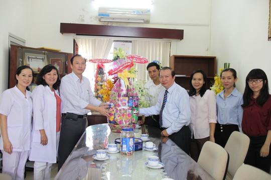 Đoàn LĐLĐ TP HCM chúc mừng Ngày thầy thuốc Việt Nam tại Bệnh viện Từ Dũ
