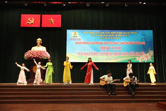 Hội thi áo dài phụ nữ Việt Nam xưa và nay do CĐ Viên chức TP tổ chức