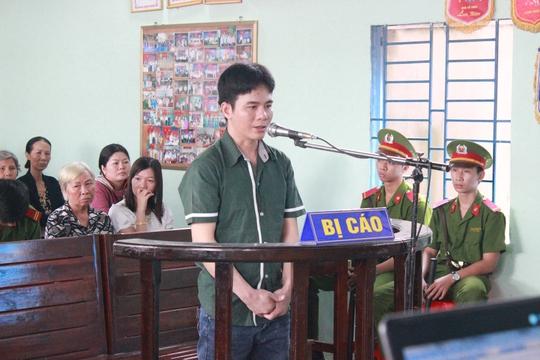 Bị cáo Dương Thành Tín tại tòa
