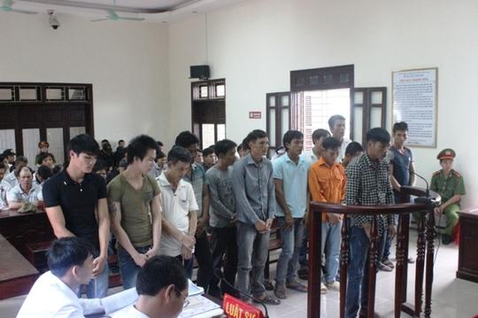 Các bị cáo tại phiên xét xử ngày 29-9