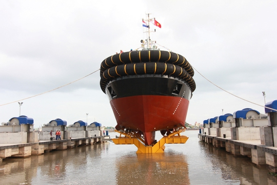 Con tàuASD 3212 YN 51235 được Thủ tướng Hà Lan ấn nút hạ thủy