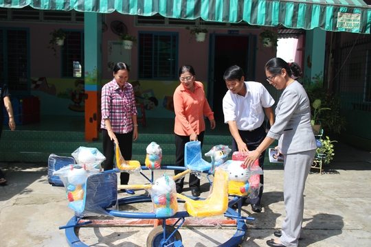 Trường mầm non Sen Hồng có 251 bé đang theo học, đa số là con công nhân KCX Linh Trung