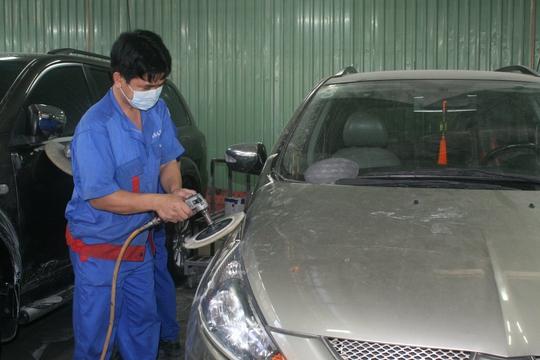 Công nhân một đơn vị trực thuộc Tổng công ty SAMCO trong giờ sản xuất