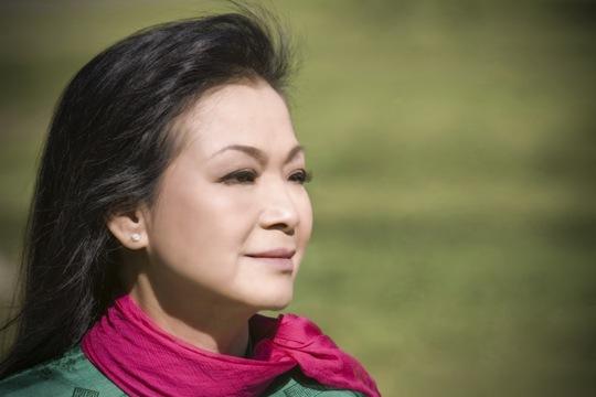 Khánh Ly lại bồi hồi hát trên quê hương