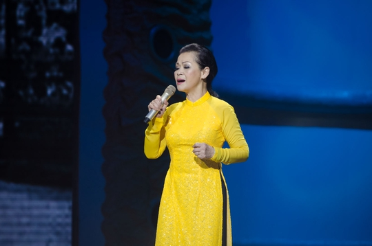 """Khánh Ly cho hay lần đứng trên sân khấu này cũng có thể coi là lễ """"thượng thọ"""" cho tuổi 70 của bà"""