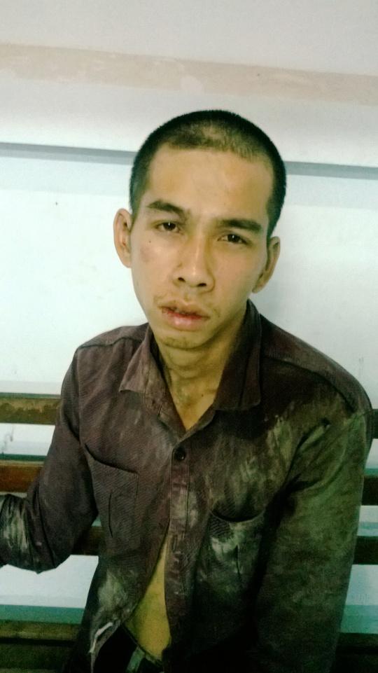 """Lê Nguyễn Hữu Toàn, bị nhóm """"săn bắt cướp"""" quận Tân Bình bắt nóng sau khi giật tài sản người dân."""