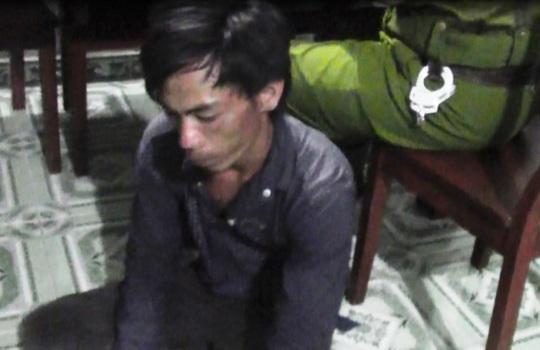 Đối tượng Lê Văn Bun sau khi bị Cảnh sát 113 khống chế.