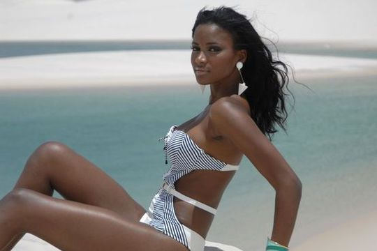 """Người đẹp Angola từng khiến Ro """"vẩu"""" thất tình"""