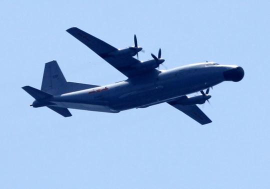 Máy bay quân sự cánh bằng của Trung Quốc hoạt động trên khu vực giàn khoan Hải Dương 981 hạ đặt trái phép trong vùng biển của Việt Nam