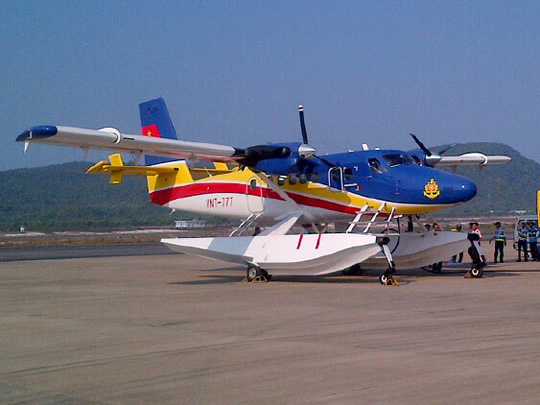 Thủy phi cơ DHC6 cùng đội thợ lặn tinh nhuệ đã trở về sân bay Phú Quốc - Ảnh: Quý Lâm