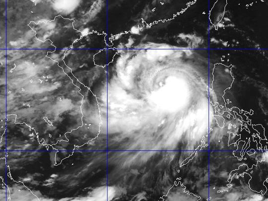 Ảnh mây vệ tinh bão Thần Sấm sáng nay 17-7 - Nguồn: Trung tâm Dự báo khí tượng thủy văn TƯ
