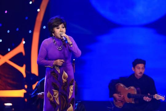 Hồng Nga tái xuất tại sân khấu Tiếng hát mãi xanh