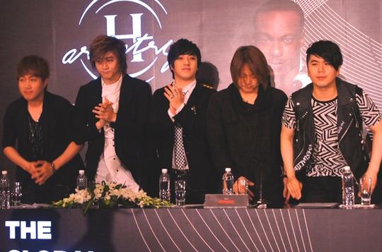 Ban nhạc rock Hàn Quốc Nemesis cũng tham gia đêm nghệ thuật H-Artistry