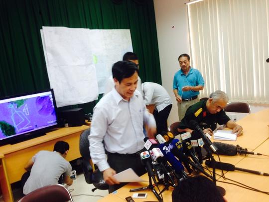 Ông Đoàn Hữu Gia trong cuộc họp báo chiều 13-3 tại Sở chỉ huy tiền phương Phú Quốc - Ảnh: Ca Linh