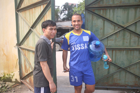 Các cầu thủ Ninh Bình đã trở lại sân tập sau 5 ngày giông bão bởi nghi án làm độ dàn xếp tỉ số ở AFC cup