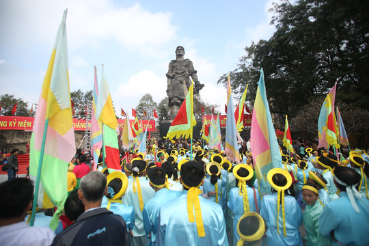 Người dân Thăng Long- Hà Nội biến ngày kỉ niệm chiến thắng thành Lễ hội để đời đời ghi nhớ công ơn của Hoàng đế Quang Trung