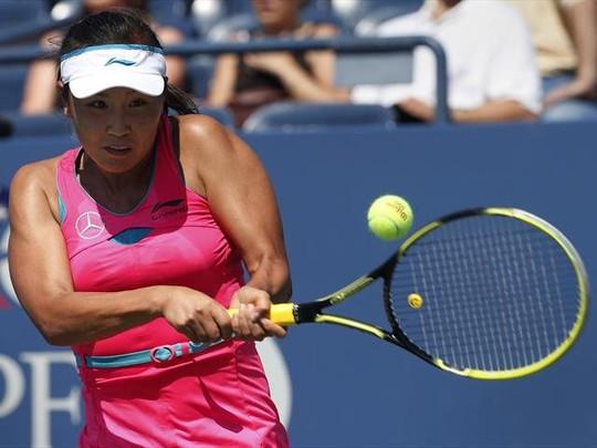 Peng Shuai thi đấu đầy quyết tâm, liên tục gây khó cho Radwanska