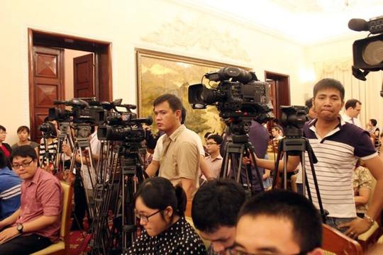 Đông đảo phóng viên trong nước và quốc tế quan tâm tới tình hình Biển Đông trong cuộc họp báo