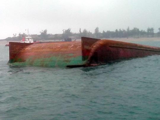60 thợ lặn đã lặn tìm kiếm 3 ngày nhưng chưa tìm thấy công nhân mất tích trên biển