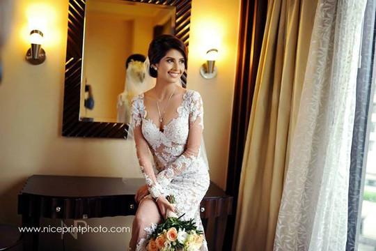 Hoa hậu Hoàn vũ Philippines 2011 khóc trong ngày cưới