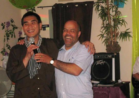 Nghệ sĩ Lê Hồng Phước và Nghệ sĩ Dũng Thanh Phước – Bernard tại Pháp.