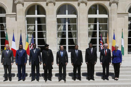 """Lãnh đạo các nướcnhất trí tiến hành cuộc """"chiến tranh tổng lực"""" chống Boko Haram. Ảnh: Reuters"""