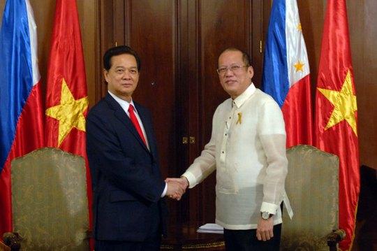 Tổng thống Cộng hòa Philippines Benigno S. Aquino III và Thủ tướng Chính phủ Nguyễn Tấn Dũng đã có buổi hội đàm hẹp tại Phủ Tổng thống Aquino tại Thủ đô Manila