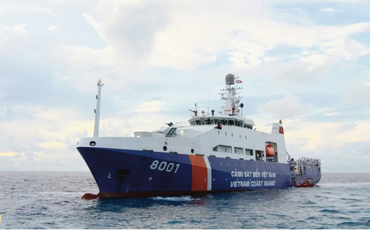 Tàu cảnh sát biển 8001, một trong những tàu hiện đại nhất của lực lượng Cảnh sát biển Việt Nam, làm nhiệm vụ bảo vệ chủ quyền tại khu vực Trung Quốc hạ đặt trái phép giàn khoan Hải Dương 981 trong vùng biển của Việt Nam