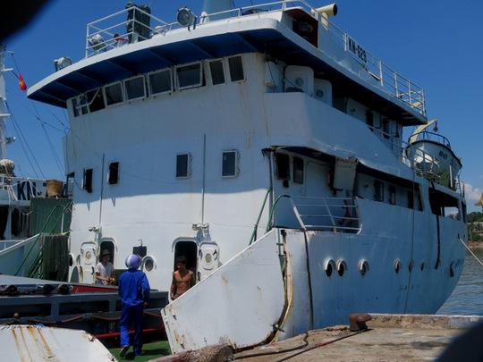Tàu KN 629 của lực lượng Kiểm ngư bị hư hỏng do tàu Trung Quốc tấn công quanh khu vực giàn khoan 981