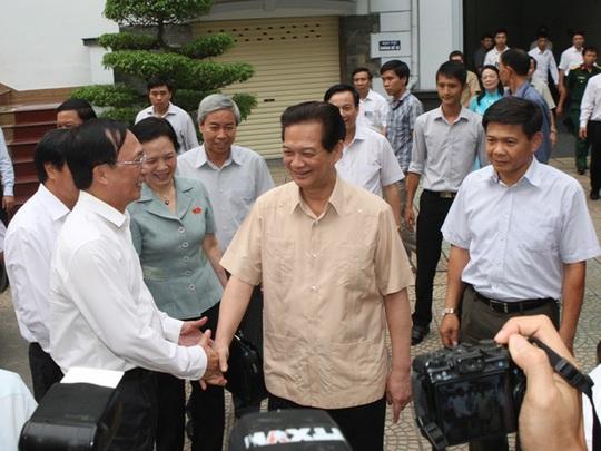 Thủ tướng Nguyễn Tấn Dũng nhấn mạnh việc Trung Quốc ngang nhiên hạ đặt giàn khoan trong vùng biển của Việt Nam đã làm cả dân tộc ta phẫn nộ, lên án.