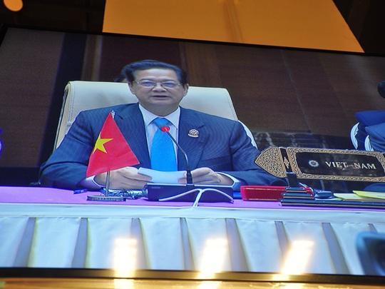 Thủ tướng Nguyễn Tấn Dũng phát biểu tại Hội nghị cấp cao ASEAN ngày 11-5 - Ảnh chụp qua màn hình tại trung tâm báo chí