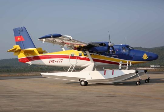 Thuy phi cơ DHC6 tiếp tục cất cánh từ sân bay Phú Quốc đi tìm kiếm máy bay Malaysia mất tích - Ảnh: Mạnh Duy