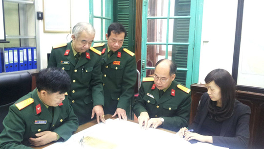 Trong Trung tâm chỉ huy điều hành, Ủy ban quốc gia tìm kiếm cứu nạn ngày 9-3 - Ảnh: Văn Duẩn