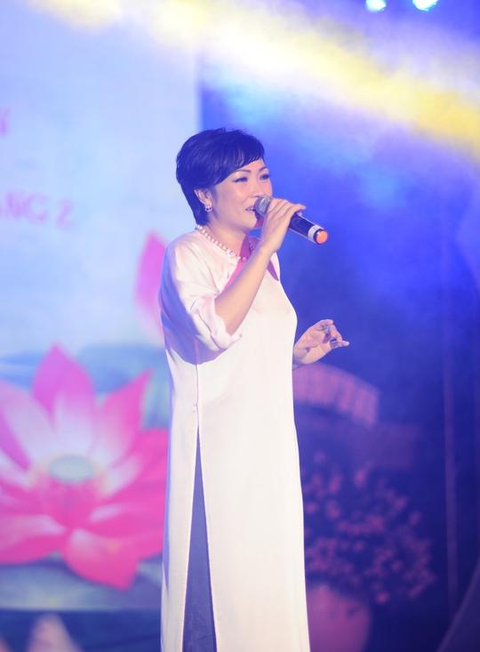 Ca sĩ Phương Thanh cũng góp mặt ủng hộ chương trình
