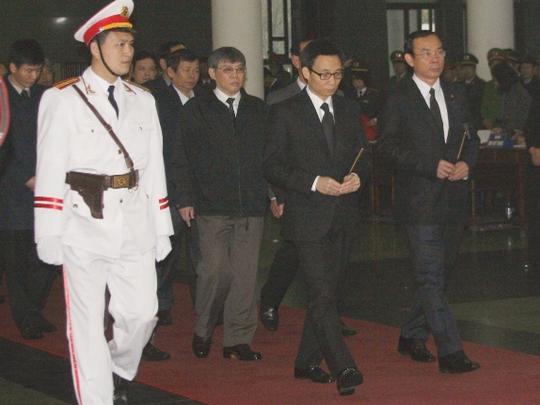 Phó Thủ tướng Vũ Đức Đam tới viếng Thượng tướng Phạm Quý Ngọ