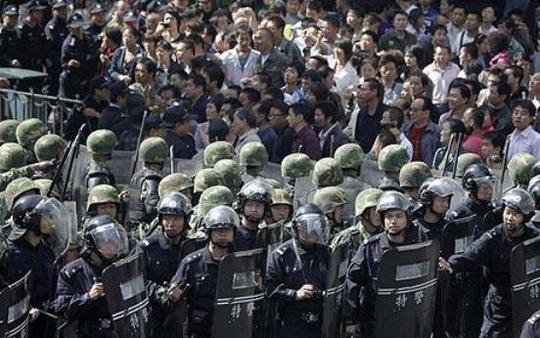 Nổ liên tiếp ở Tân Cương, 3 người thiệt mạng