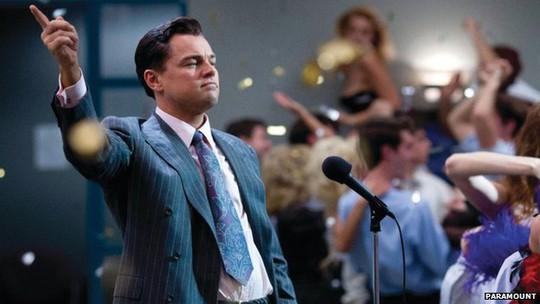 Một cảnh trong phim The Wolf of Wall Street (Sói già phố Wall).