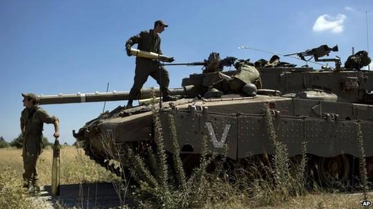 Israel thừa nhận không kích đáp trả các cuộc tấn công qua biên giới của Syria. Ảnh: AP