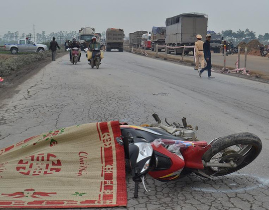 Hiện trường vụ tai nạn (ảnh Trịnh Thành)