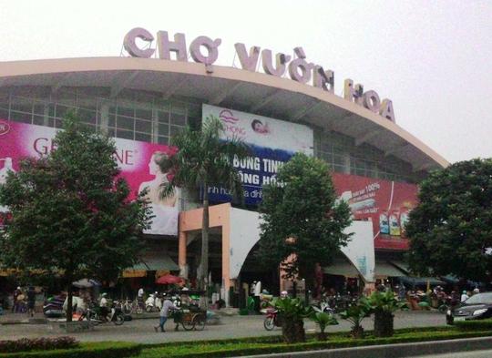 Khu vực đông người như chợ Vườn Hoa (TP Thanh Hóa) là nơi những kẻ lừa đảo thường xuyên lui tới