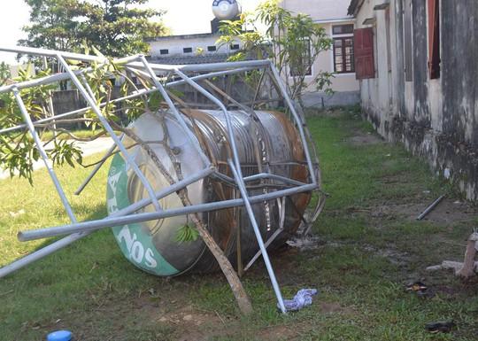 Hiện trường vụ sập bồn nước ngày 11-9-2014