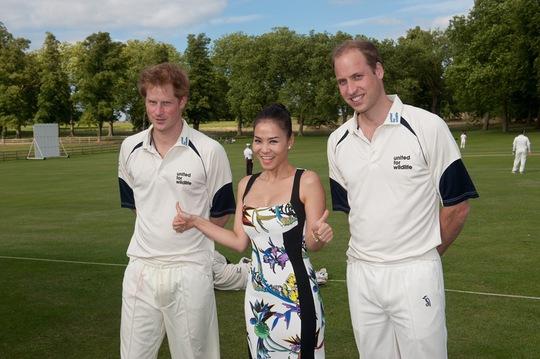 Thu Minh và hai Hoàng tử Anh