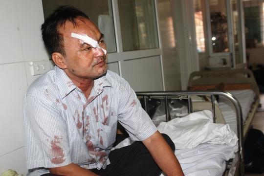 Các nạn nhân được đưa vào bệnh viện Đa khoa 115 Nghệ An cấp cứu.