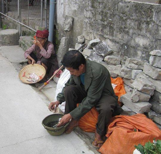 Cái bang tên đền Hồng Sơn, TP Vinh.