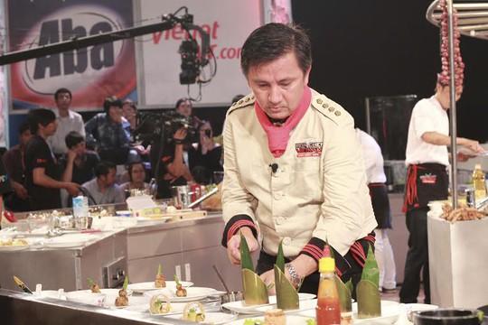 Đầu bếp Đỗ Quang Long của Saigon Tourist là một trong những gương tiêu biểu nói đi đôi với làm ẢNH: HỒNG ĐÀO
