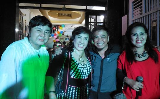 NS Châu Thanh, NSND Lệ Thủy, Hồng Tơ và Ngọc Huyền Châu trong ngày họp mặt tại nhà Châu Thanh.