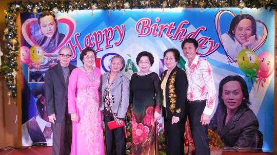 NS Hoài Linh xúc động mừng sinh nhật thứ 46