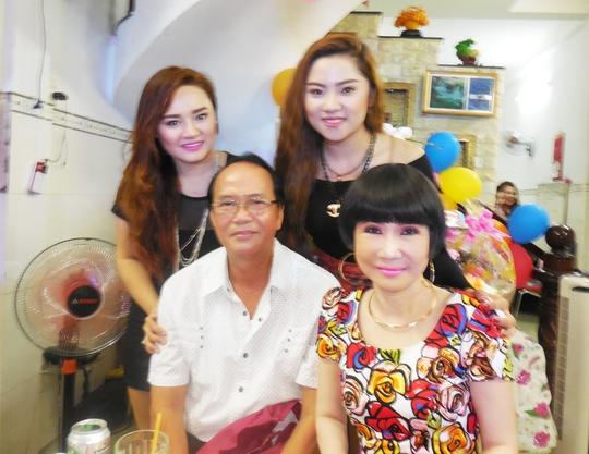 NSƯT Thanh Điền, Thanh Kim Huệ và hai ca sĩ Châu Ngọc Linh, Châu Ngọc Tiên - con gái Châu Thanh