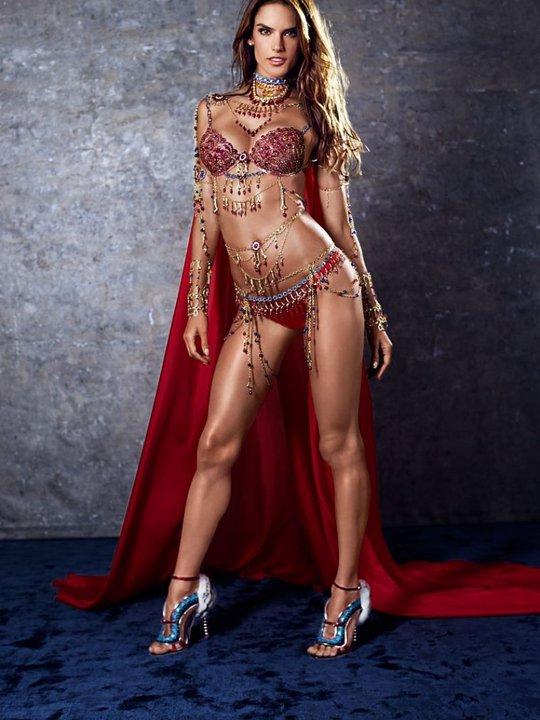 Ngắm đôi áo lót giá 4 triệu USD của Victoria's Secret