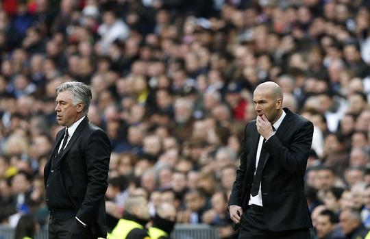 HLV Carlo Ancelotti và trợ lý Zidane gửi lời thách thức đến Schalke khi giữa tuần tới, hai đội chạm trán nhau ở Champions League